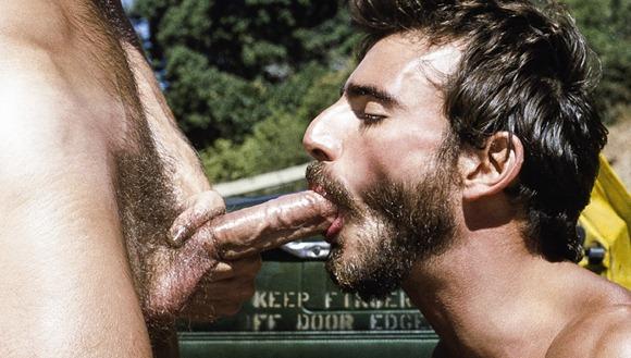 beard-guy-swallowing-all-the-jizz-he-gets